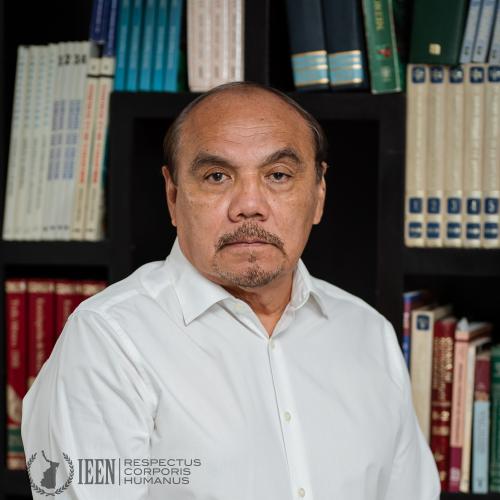 Dr. José Luis Zapata García